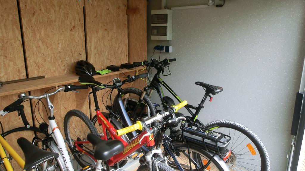 Fahrrad-Garage mit Lademöglichkeit für Pedelecs